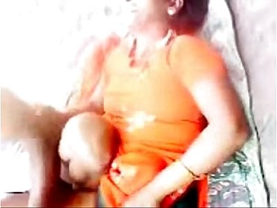 Desi Bhabhi Outdoor Scandal near River 12 Mins wid Dirty Audio