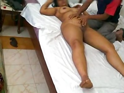 Cockold Indian Men Filming Wife Getting Massage In Hotel By Room Service